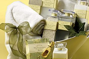 Wholesale companies selling Gifts and Bath & Body gift and gift basket products wholesale to the gift basket business owner.