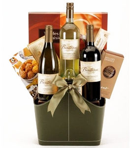 Personalized wine gift basket ideas